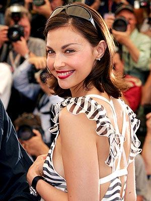 ISN'T SHE DE-LOVELY? photo | Ashley Judd