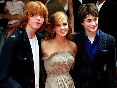 GROWTH SPURT  photo | Daniel Radcliffe, Emma Watson, Rupert Grint