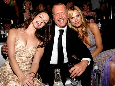 TRIPLE HAPPINESS  photo | Kristin Davis, Michael Kors, Molly Sims