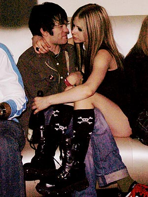 CANUCK CANOODLING photo | Avril Lavigne, Deryck Whibley