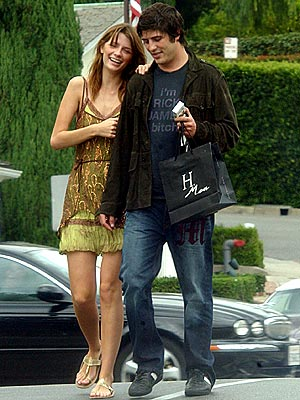 SHOPPING AROUND photo | Brandon Davis, Mischa Barton
