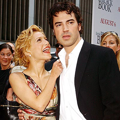 COZY COSTARS photo | Brittany Murphy, Ron Livingston