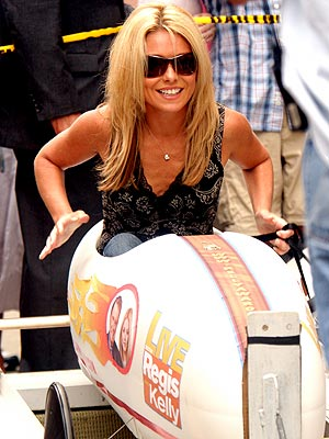 WHEEL FAST  photo | Kelly Ripa