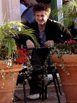 HAPPY DAY photo | Sean Penn