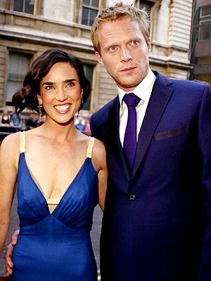  photo | Jennifer Connelly, Paul Bettany