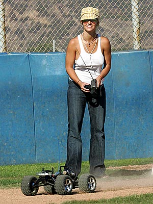 FOUR-WHEEL DRIVE photo | Britney Spears