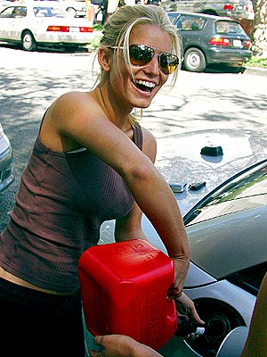 GAS GUZZLER photo | Jessica Simpson