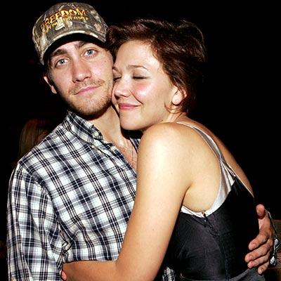 SIBLING REVELERY photo   Jake Gyllenhaal  Maggie GyllenhaalJake Gyllenhaal And Maggie Gyllenhaal Kiss