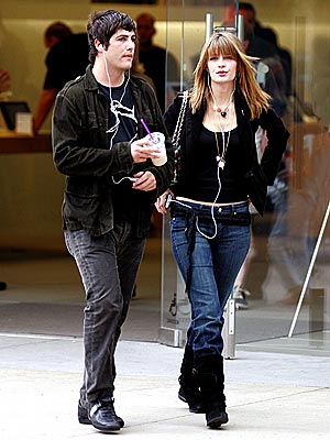 POD PEOPLE photo | Brandon Davis, Mischa Barton