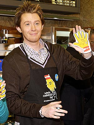 HELPING HAND photo | Clay Aiken