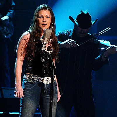PARTY TIME  photo | Gretchen Wilson