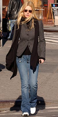STREET WALKING photo   Gwyneth Paltrow