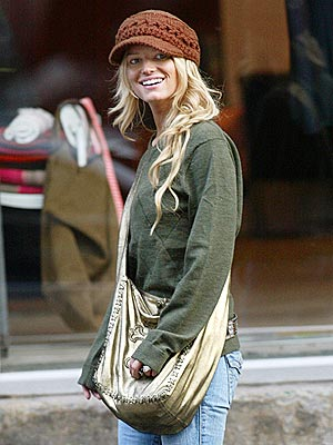 SHOP GIRL photo | Jessica Simpson