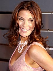 Teri Hatcher 'Bitterly Refutes' Sex Story