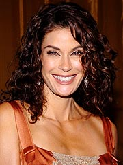 Teri Hatcher Talks About Botox Rumors | Teri Hatcher
