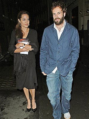 EX-CITING DATE photo | Angelina Jolie, Jonny Lee Miller
