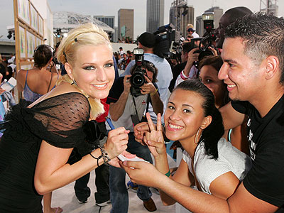 MEET THE FANS photo | Ashlee Simpson