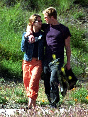 APRIL 2001 photo | Brad Pitt, Jennifer Aniston