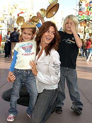 CINDY, KAIA & PRESLEY photo | Cindy Crawford