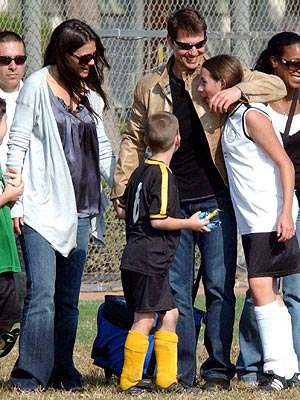 KATIE, TOM & ISABELLA photo | Katie Holmes, Tom Cruise