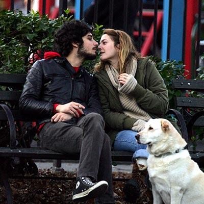 DREW BARRYMORE & FABRIZIO MORETTI photo | Drew Barrymore, Fabrizio Moretti