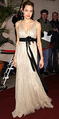 ANGELINA JOLIE: HIT photo | Angelina Jolie