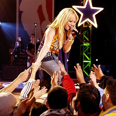 SING ALONG photo | Hilary Duff