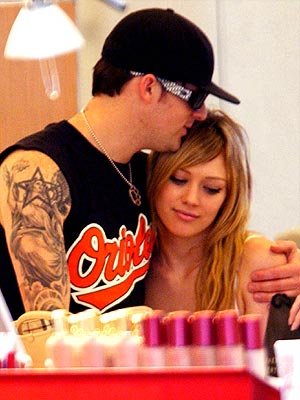 UNDER WRAPS  photo | Hilary Duff, Joel Madden
