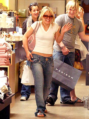 GROWING UP  photo | Hilary Duff
