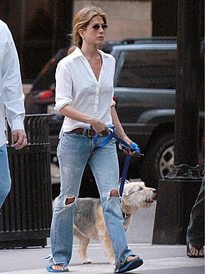WOMAN'S BEST FRIEND photo | Jennifer Aniston