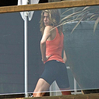 STAYING FIT photo | Jennifer Aniston