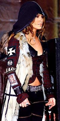 UNDER COVER photo | Jennifer Lopez