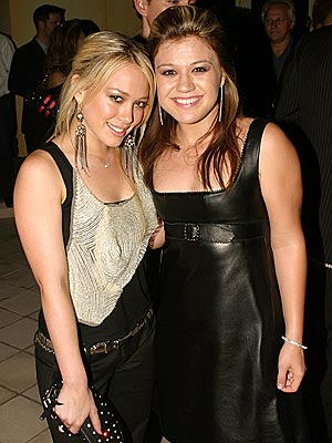 SINGLE LIFE photo | Hilary Duff, Kelly Clarkson