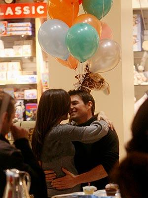 BIRTHDAY KISS photo | Katie Holmes, Tom Cruise