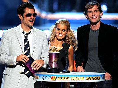 DUKING IT OUT photo | Jessica Simpson, Johnny Knoxville, Seann William Scott