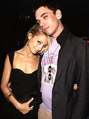 CUDDLING COUPLE photo | Adam Goldstein, Nicole Richie