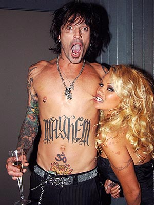 LOVE BITES photo | Pamela Anderson, Tommy Lee