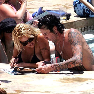 HAWAIIAN TOPIC photo | Pamela Anderson, Tommy Lee
