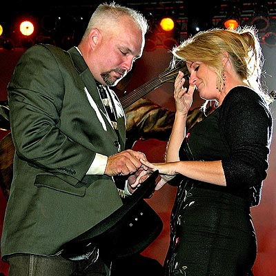 TRISHA & GARTH photo | Garth Brooks, Trisha Yearwood