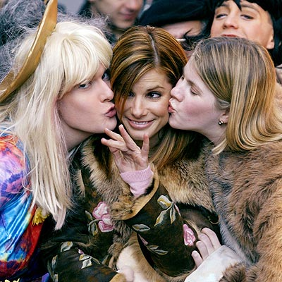 PUCKER UP photo | Sandra Bullock