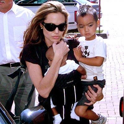 ANGELINA & ZAHARA photo | Angelina Jolie