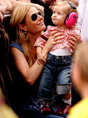 GWYNETH & APPLE photo | Gwyneth Paltrow