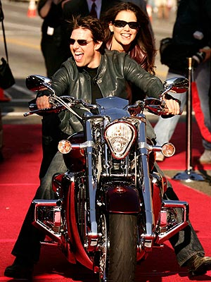 9. THEIR RIDE DOWN THE RED CARPET photo | Katie Holmes, Tom Cruise
