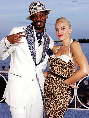 DRESSED TO IMPRESS photo | Gwen Stefani, Snoop Dogg