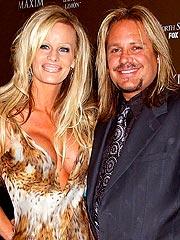 Motley Crue's Vince Neil Marries in Vegas | Vince Neil