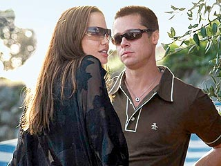 Angelina Jolie to U.S., Brad Pitt Stays in Africa