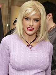 Anna Nicole Smith to Be Buried Today