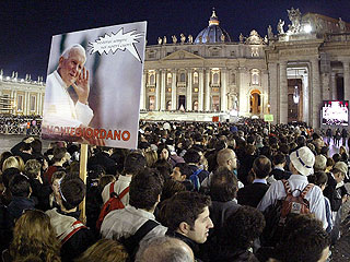 Crowds Gather for Pope's Funeral Friday | Pope John Paul II