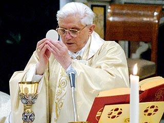 Pope Benedict: Sainthood for John Paul II