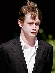 Macaulay Culkin Denies Jackson Molested Him | Macaulay Culkin